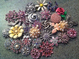 DIY Brooch Bouquet