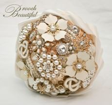 gold pearl brooch bouquet_23a