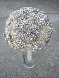Silver Pearl Brooch Bouquet 8