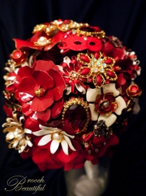 Vintage Red Gold Brooch Bouquet 1