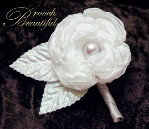 White Platinum Peony Boutonniere Small  1